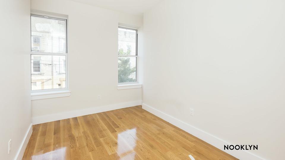 A $2,800.00, 4 bed / 2 bathroom apartment in Ridgewood
