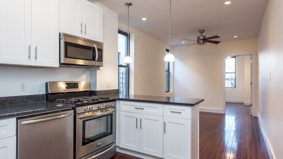 A $3,208.00, 3 bed / 2 bathroom apartment in Bed-Stuy