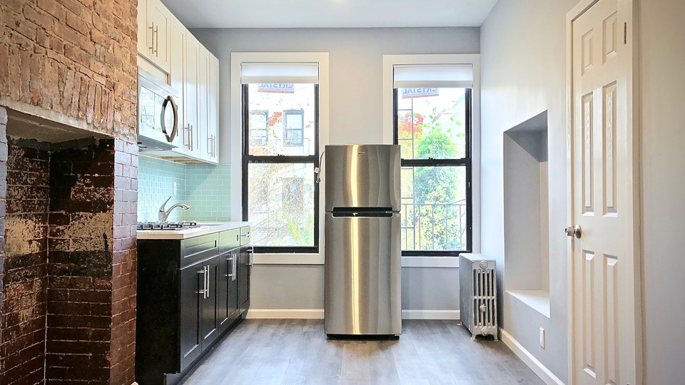 A $1,900.00, 0 bed / 1 bathroom apartment in Bushwick