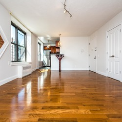 A $2,450.00, 3 bed / 1 bathroom apartment in Flatbush