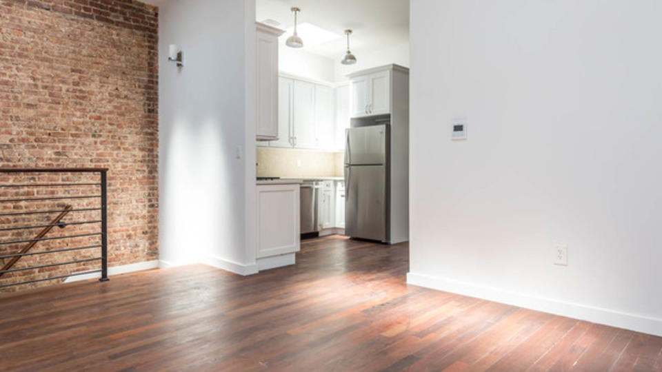 A $3,166.00, 4 bed / 2 bathroom apartment in Ridgewood