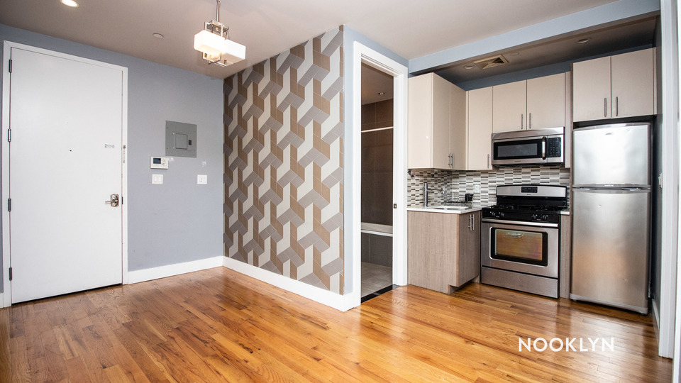 A $3,895.00, 4 bed / 1 bathroom apartment in Williamsburg