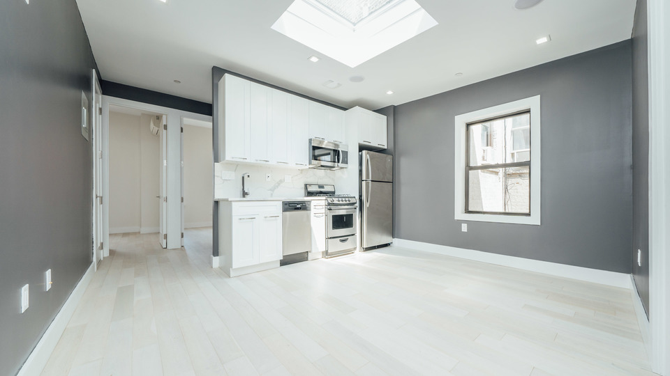 A $5,650.00, 4 bed / 2 bathroom apartment in Williamsburg