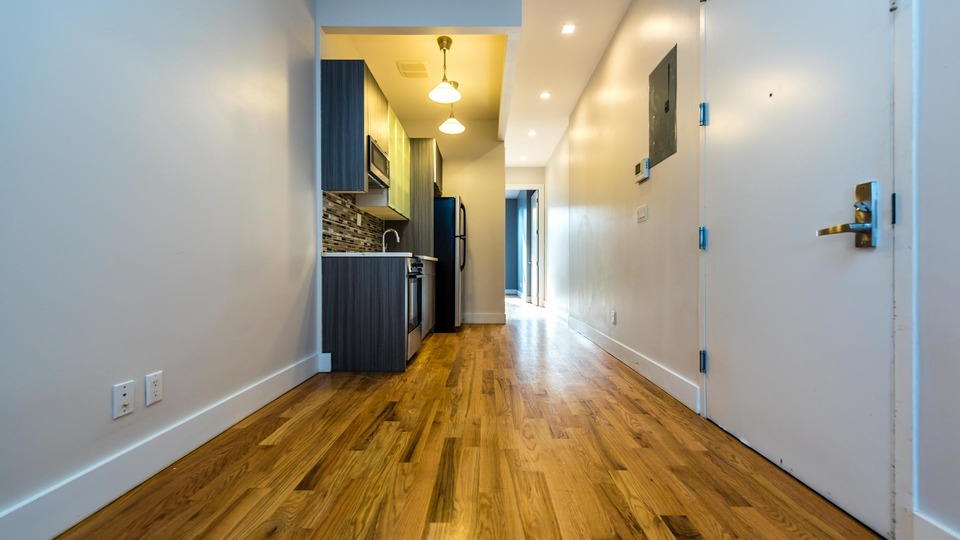 A $2,800.00, 3 bed / 1 bathroom apartment in Williamsburg