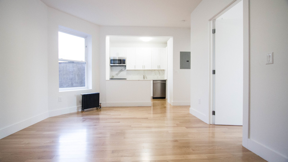 A $2,589.00, 3 bed / 1 bathroom apartment in Bed-Stuy