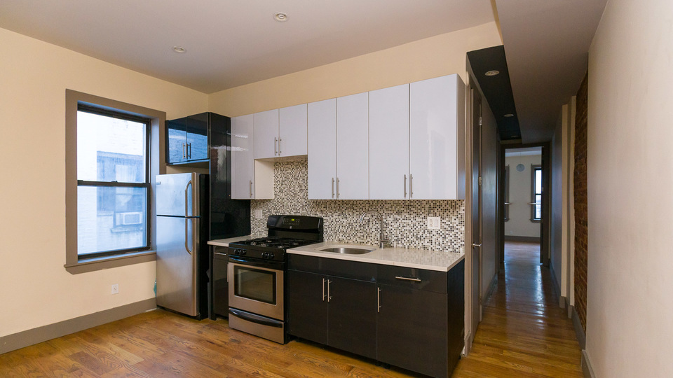 A $3,500.00, 4 bed / 1.5 bathroom apartment in Crown Heights