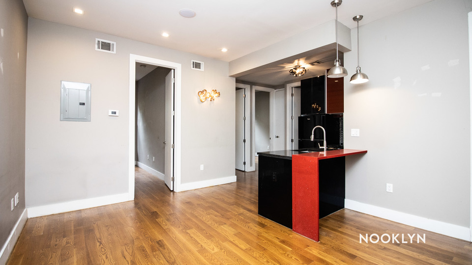 A $3,600.00, 4 bed / 1 bathroom apartment in Bushwick