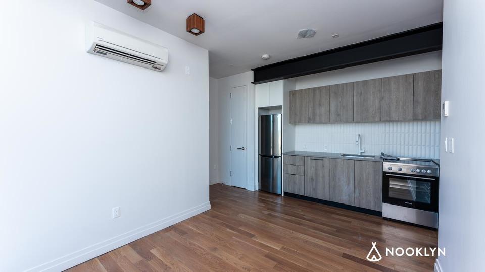 A $2,775.00, 2 bed / 1 bathroom apartment in Bushwick