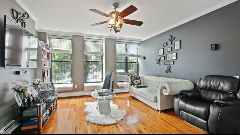 A $2,100.00, 1.5 bed / 1 bathroom apartment in Bed-Stuy