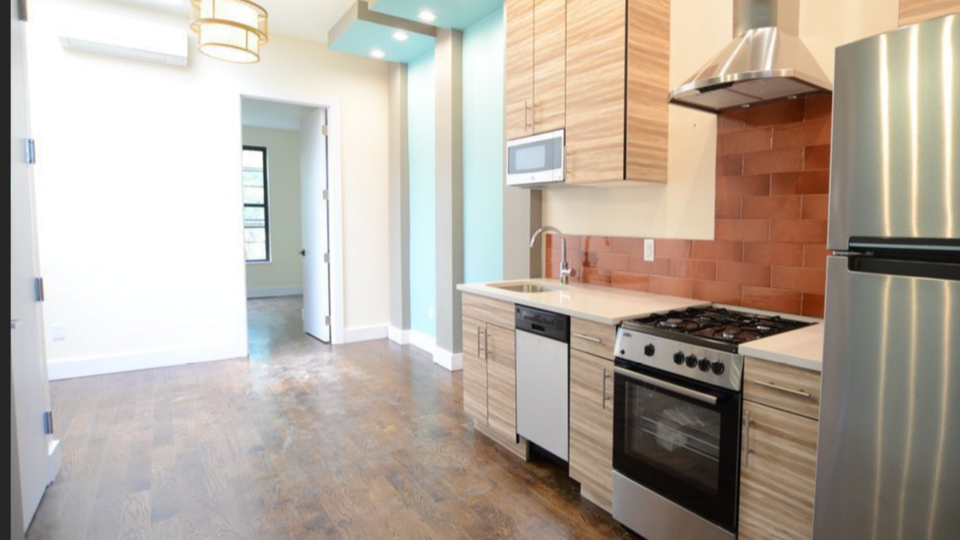 A $2,600.00, 2 bed / 2 bathroom apartment in Bushwick