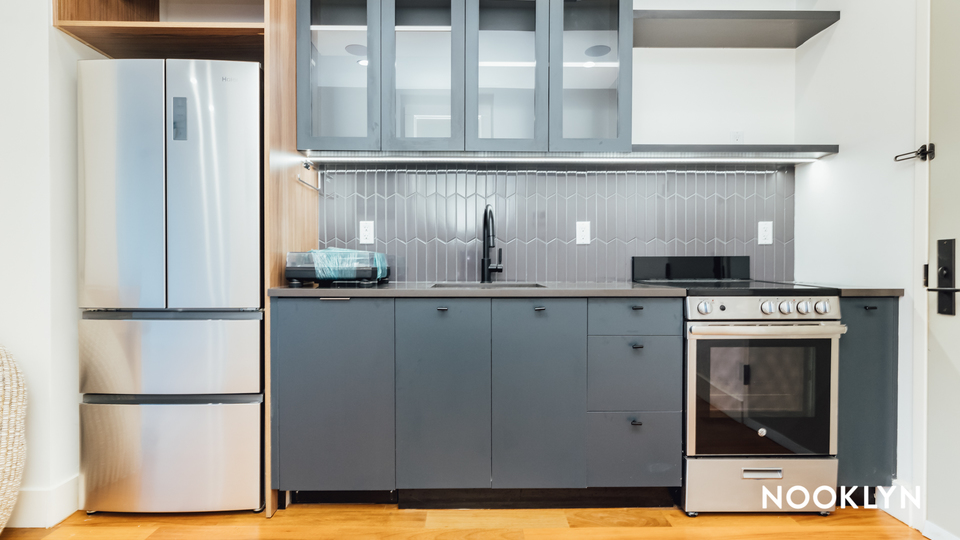 A $2,850.00, 0 bed / 1 bathroom apartment in Greenpoint