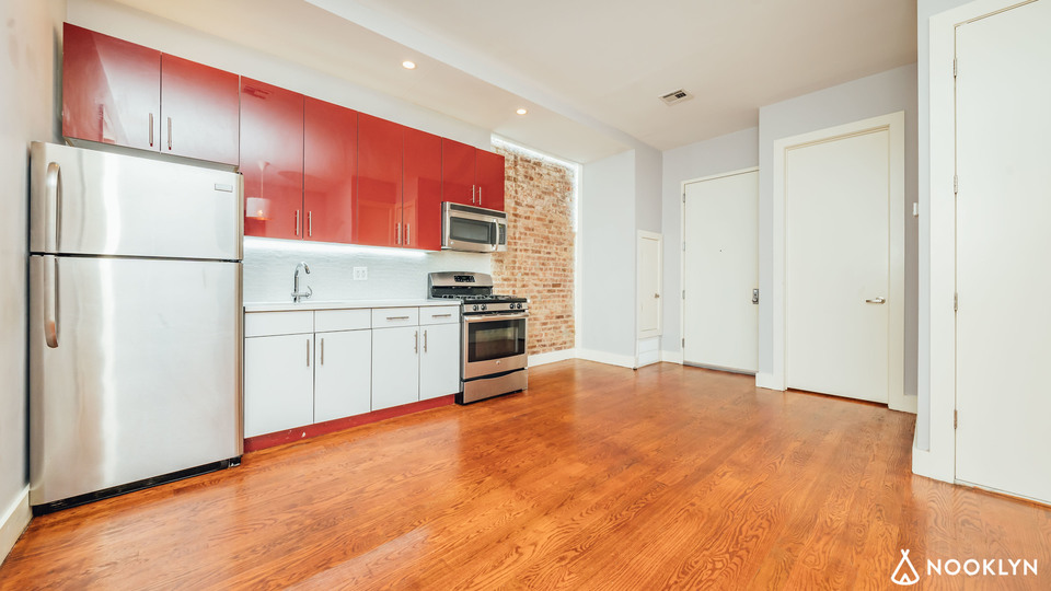 A $2,500.00, 3 bed / 1.5 bathroom apartment in Crown Heights