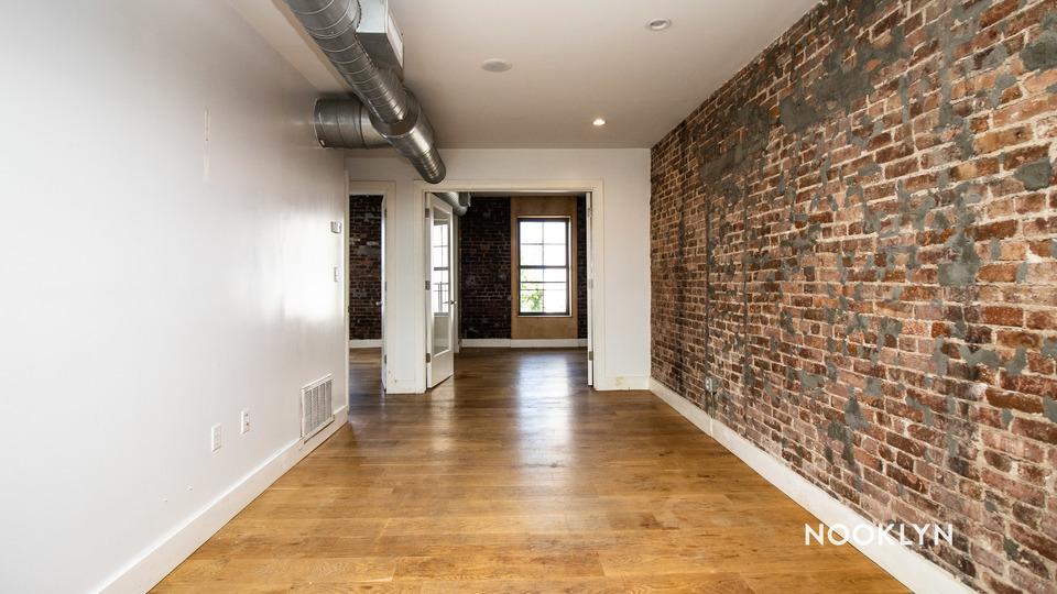 A $2,850.00, 3 bed / 1 bathroom apartment in Gowanus