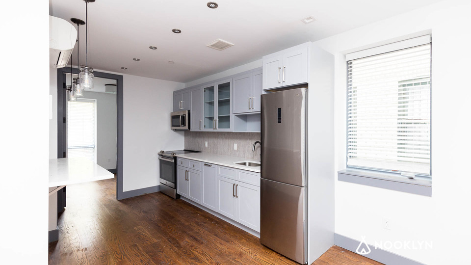 A $2,800.00, 3 bed / 1.5 bathroom apartment in Crown Heights