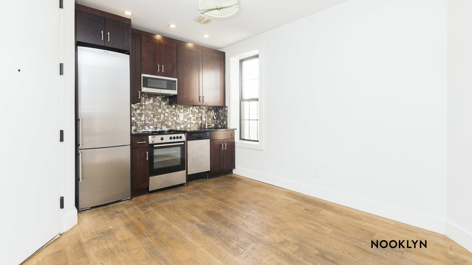 A $2,100.00, 2 bed / 1 bathroom apartment in Ridgewood