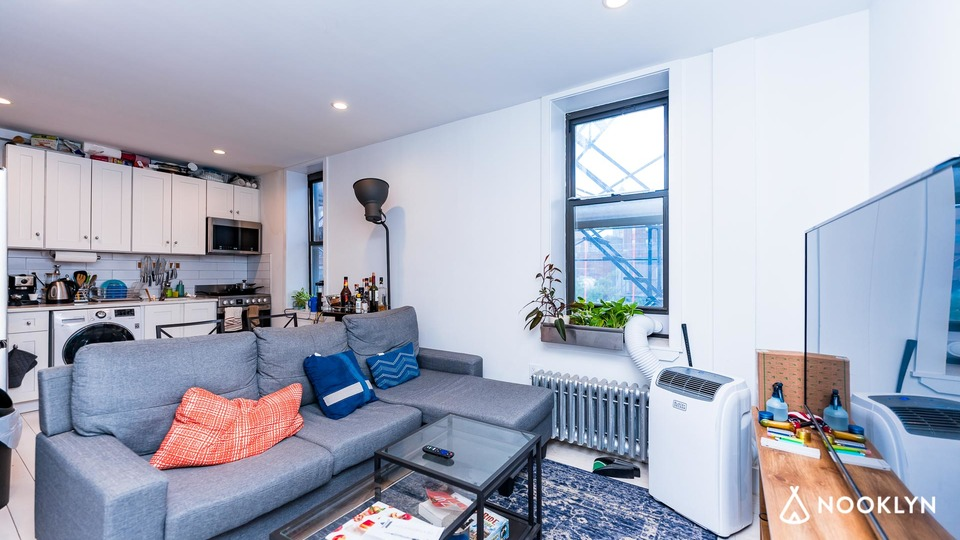 A $7,015.00, 4 bed / 2 bathroom apartment in East Village