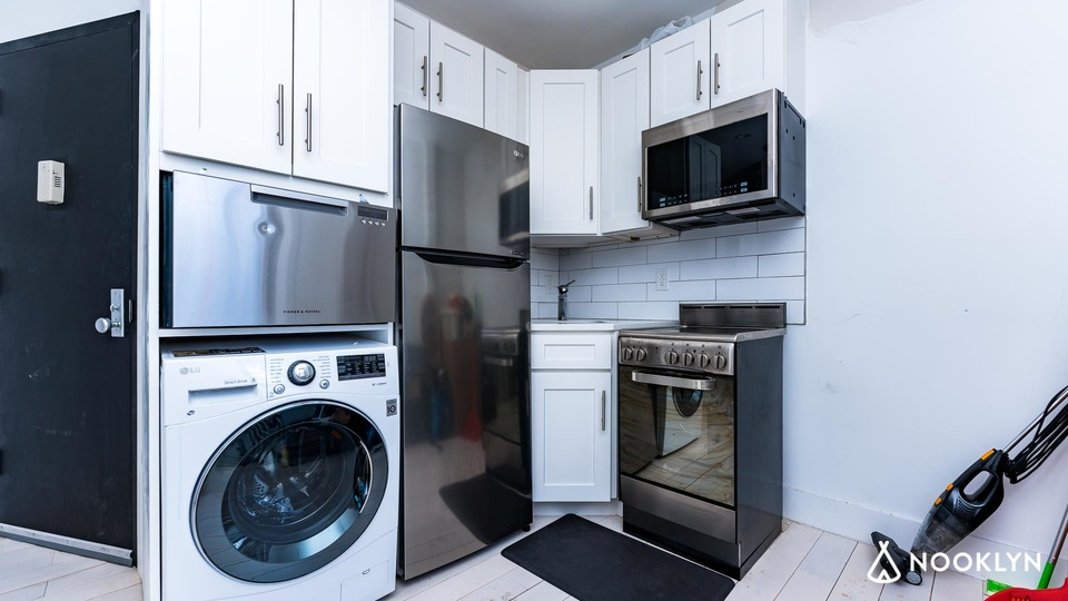 A $3,880.00, 2 bed / 1 bathroom apartment in East Village