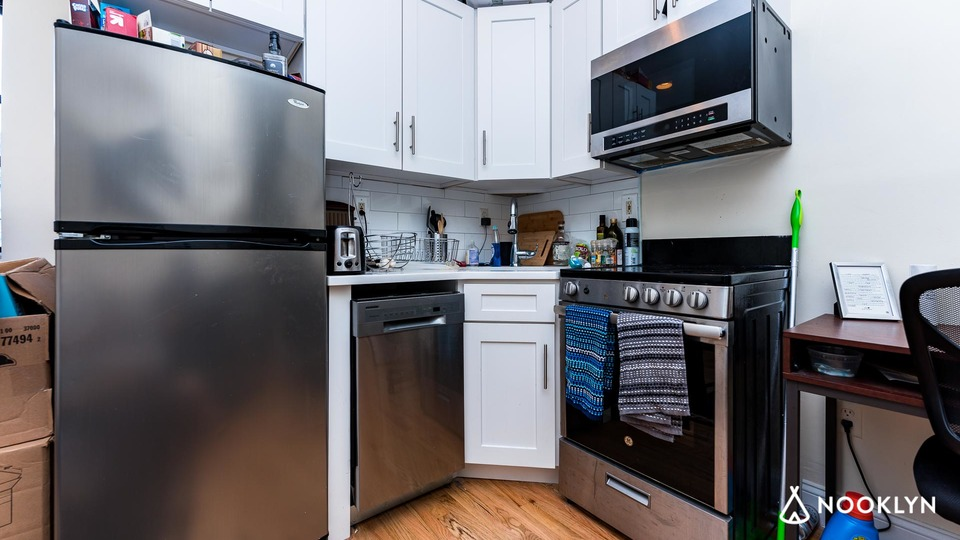 A $3,325.00, 2 bed / 1 bathroom apartment in Little Italy