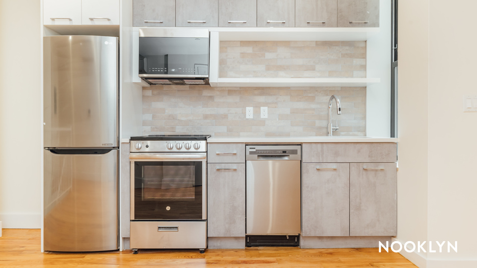 A $3,209.00, 3 bed / 1.5 bathroom apartment in Crown Heights
