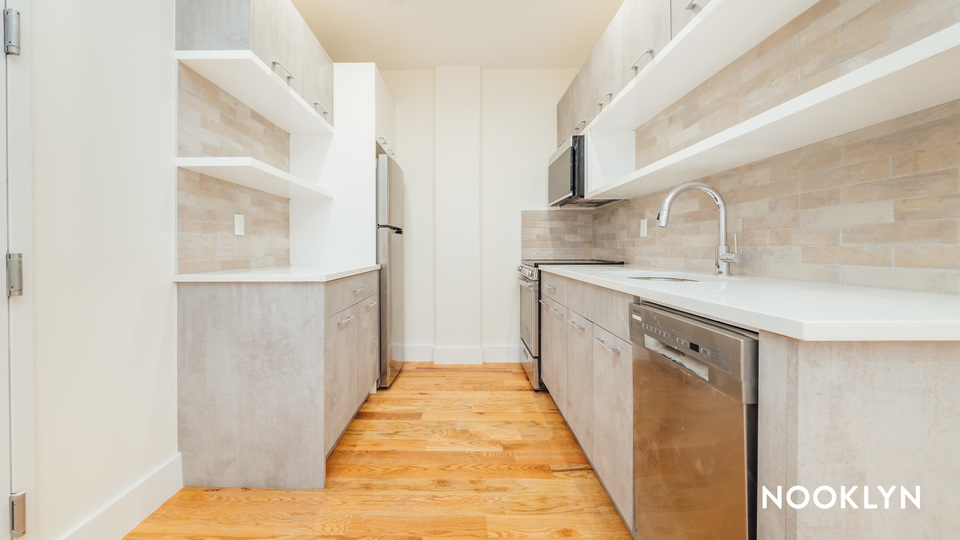 A $2,521.00, 3 bed / 2 bathroom apartment in Crown Heights