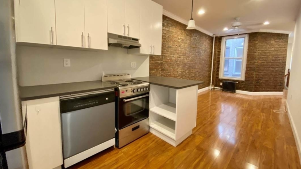 A $3,995.00, 3 bed / 1 bathroom apartment in Prospect Heights