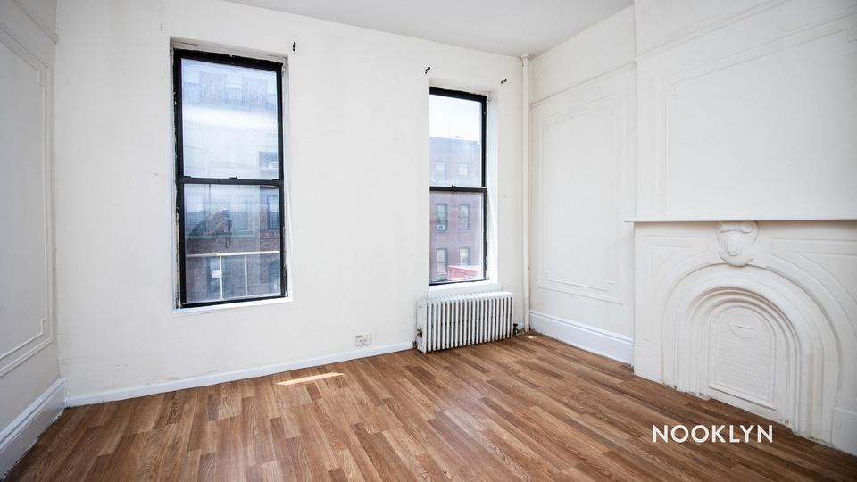 A $2,295.00, 2 bed / 1 bathroom apartment in South Slope