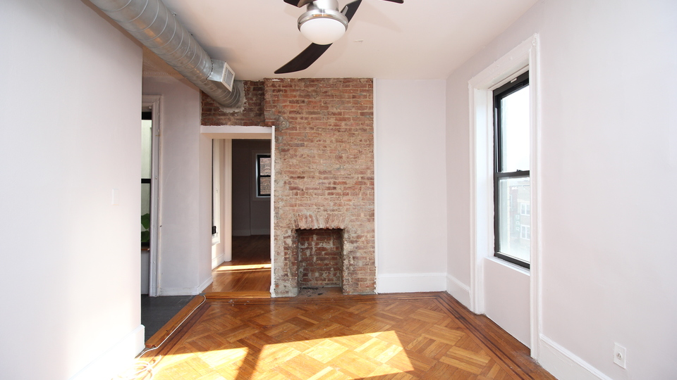 A $2,108.00, 2 bed / 1 bathroom apartment in Crown Heights