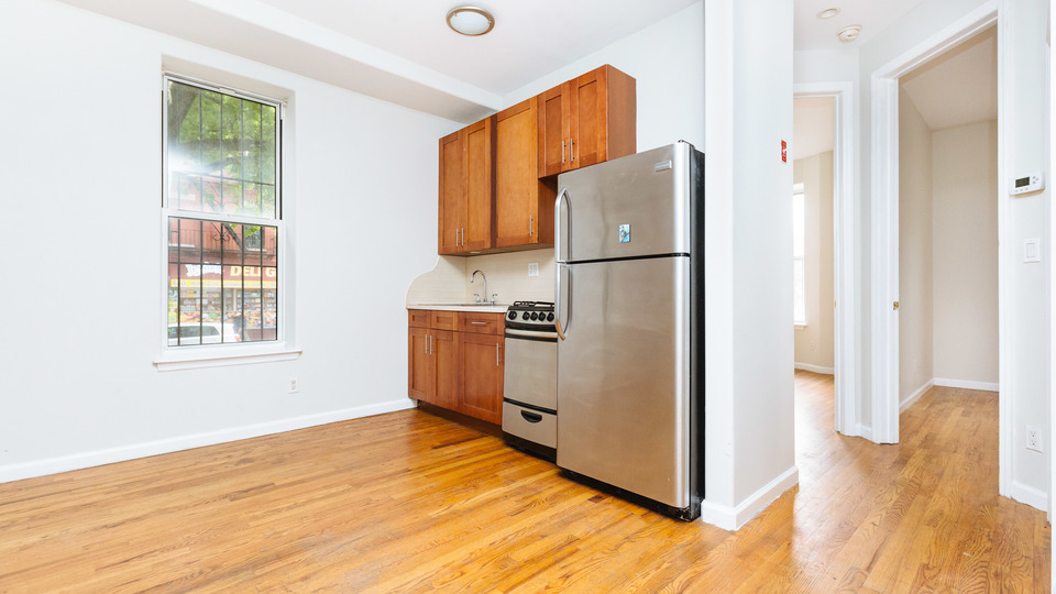 A $2,650.00, 3 bed / 1.5 bathroom apartment in Bed-Stuy
