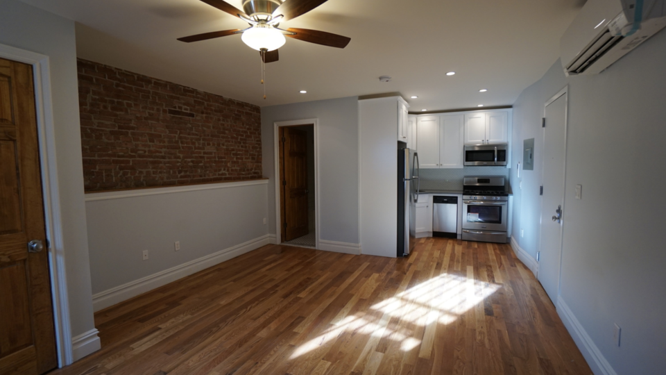 A $1,700.00, 0 bed / 1 bathroom apartment in Crown Heights