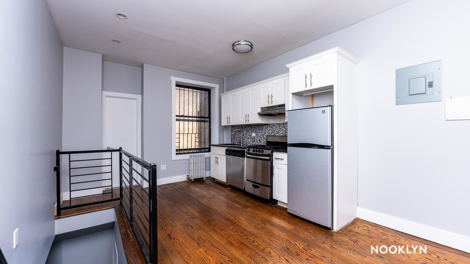 A $2,600.00, 2.5 bed / 1.5 bathroom apartment in Crown Heights