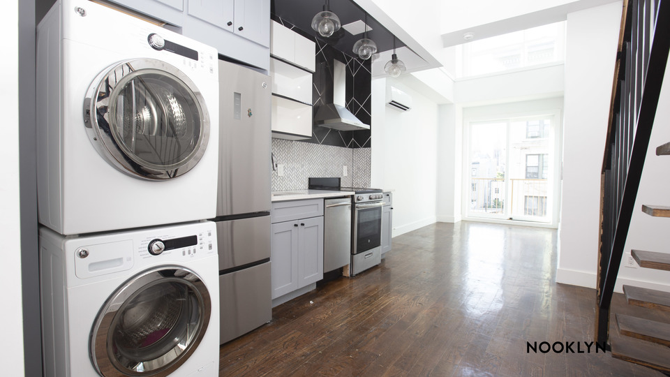 A $3,250.00, 2 bed / 2 bathroom apartment in Williamsburg
