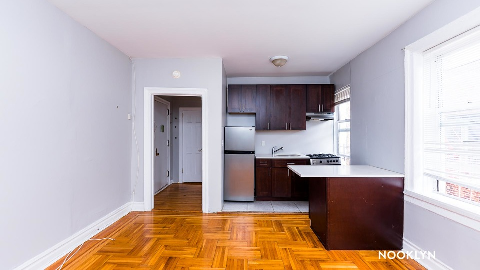 A $1,450.00, 0 bed / 1 bathroom apartment in Washington Heights