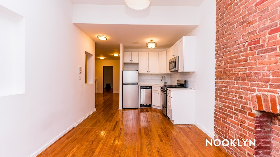 A $3,999.00, 3 bed / 1 bathroom apartment in Hell's Kitchen