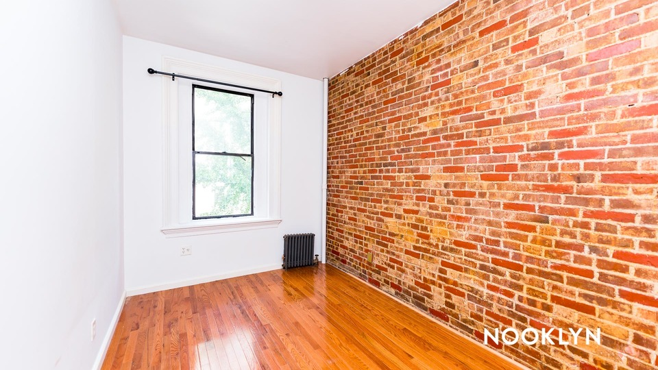 A $2,499.00, 2 bed / 1 bathroom apartment in Hell's Kitchen