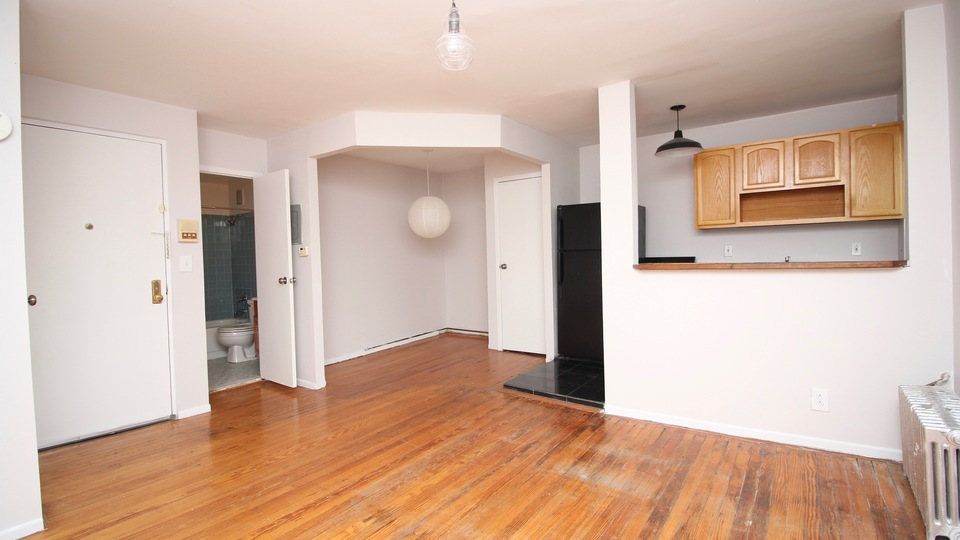 A $2,100.00, 0 bed / 1 bathroom apartment in Carroll Gardens
