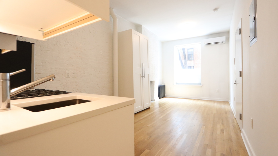 A $1,700.00, 0 bed / 1 bathroom apartment in South Slope