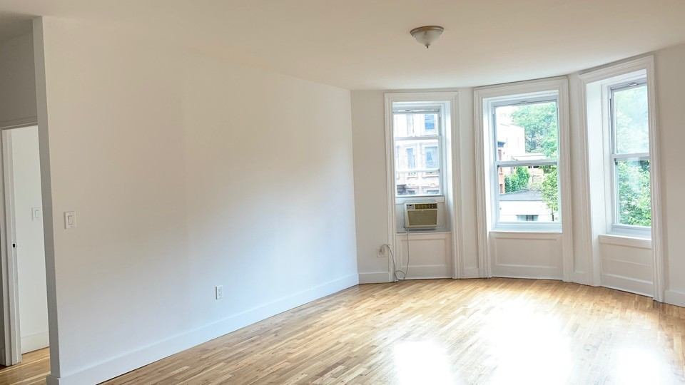 A $3,650.00, 2 bed / 1 bathroom apartment in Clinton Hill