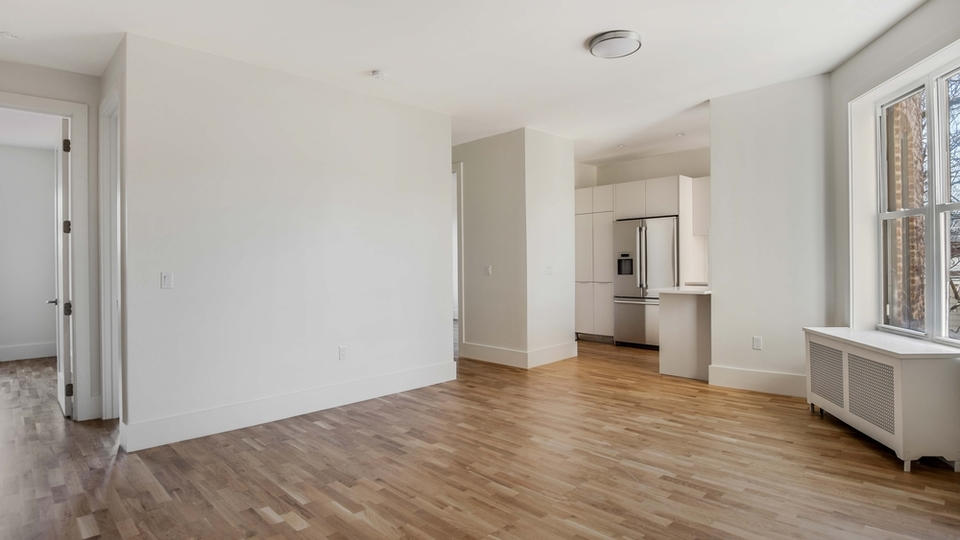 A $3,715.00, 3 bed / 1 bathroom apartment in Clinton Hill