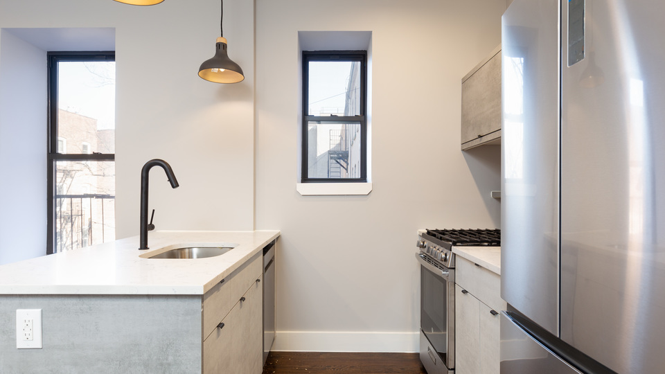 A $2,290.00, 2 bed / 1 bathroom apartment in Crown Heights