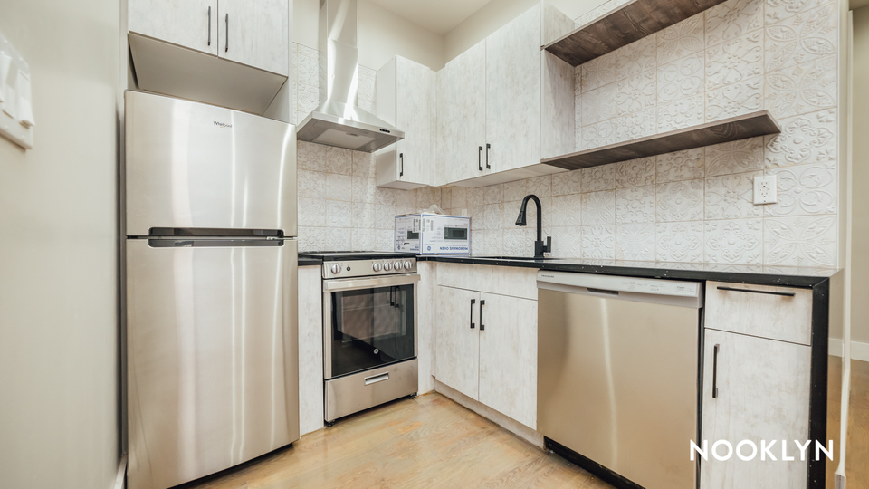 A $4,700.00, 4 bed / 4 bathroom apartment in Bushwick