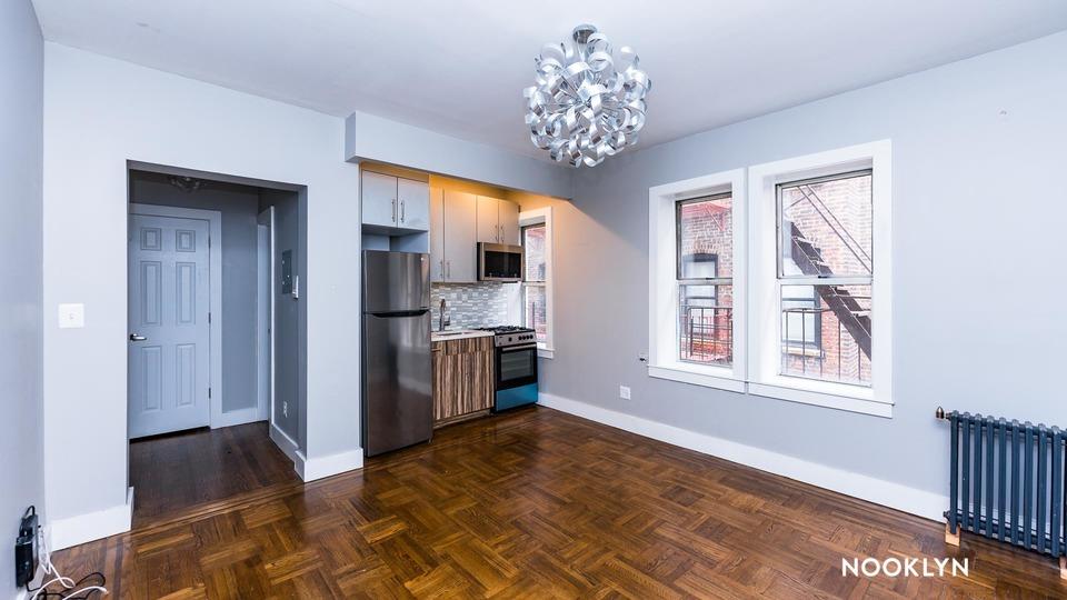 A $1,700.00, 0 bed / 1 bathroom apartment in Washington Heights