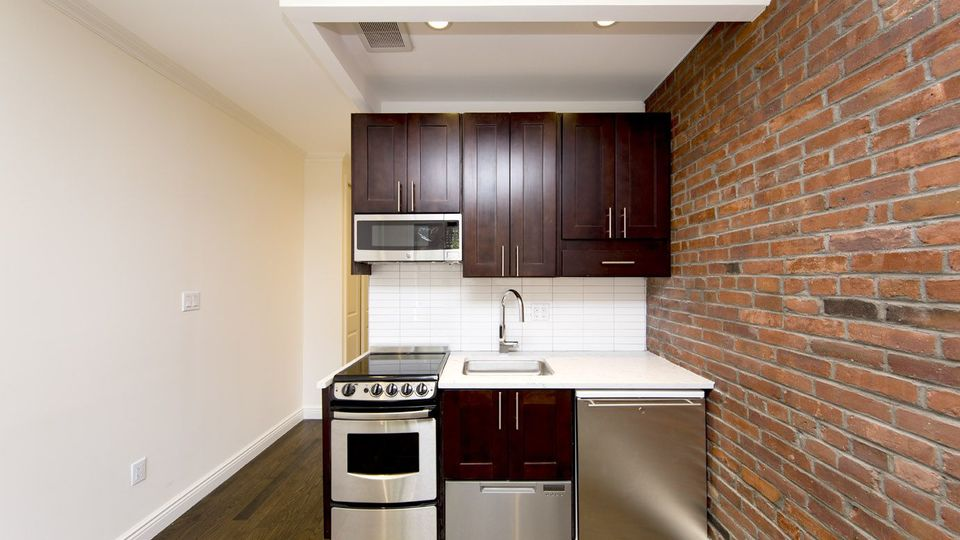 A $2,494.00, 0 bed / 1 bathroom apartment in West Village