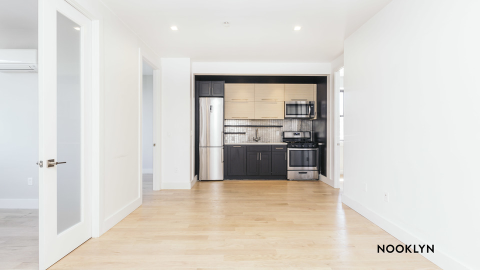 A $3,165.00, 4 bed / 2 bathroom apartment in Ridgewood