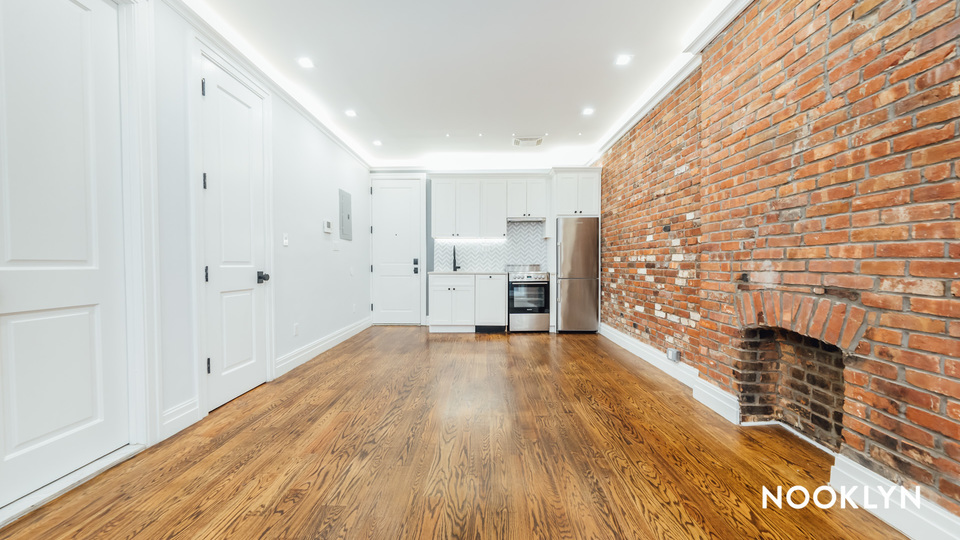 A $2,100.00, 0 bed / 1 bathroom apartment in Brooklyn Heights