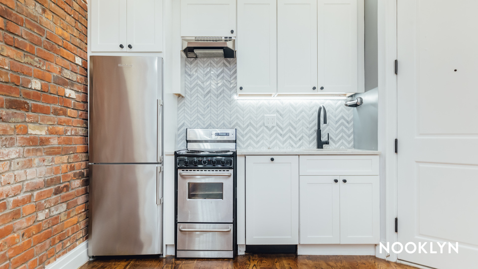 A $2,300.00, 0 bed / 1 bathroom apartment in Brooklyn Heights