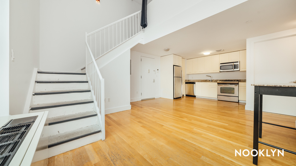 A $4,480.00, 3 bed / 2 bathroom apartment in Williamsburg