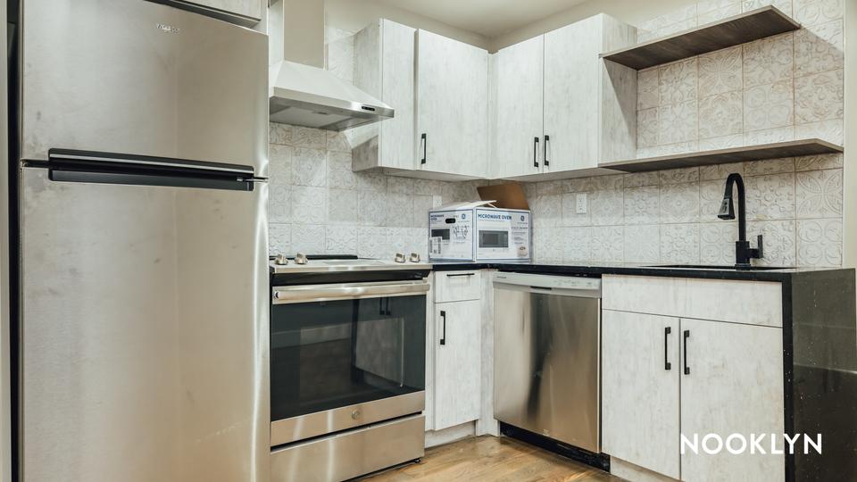 A $4,450.00, 4 bed / 4 bathroom apartment in Bushwick