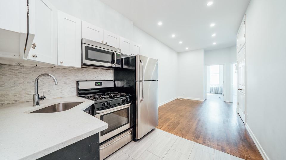 A $2,550.00, 3 bed / 1 bathroom apartment in Ridgewood