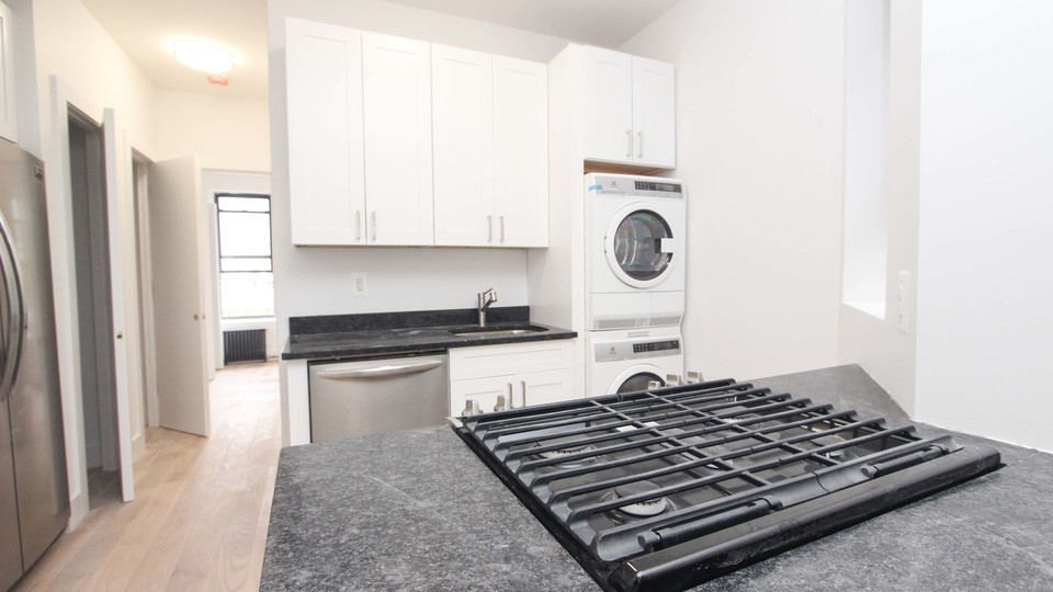 A $2,521.00, 2 bed / 1 bathroom apartment in Bed-Stuy