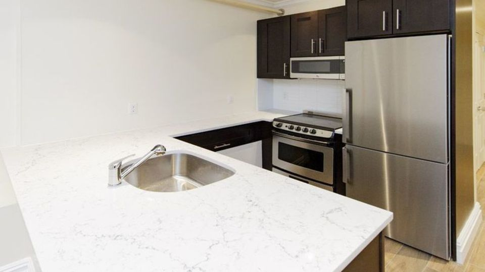 A $4,125.00, 4 bed / 2 bathroom apartment in Brooklyn Heights